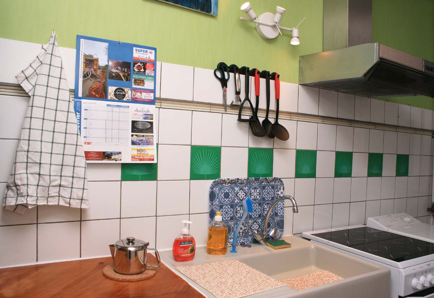 Sink utensils, ceramic hobs washing machine